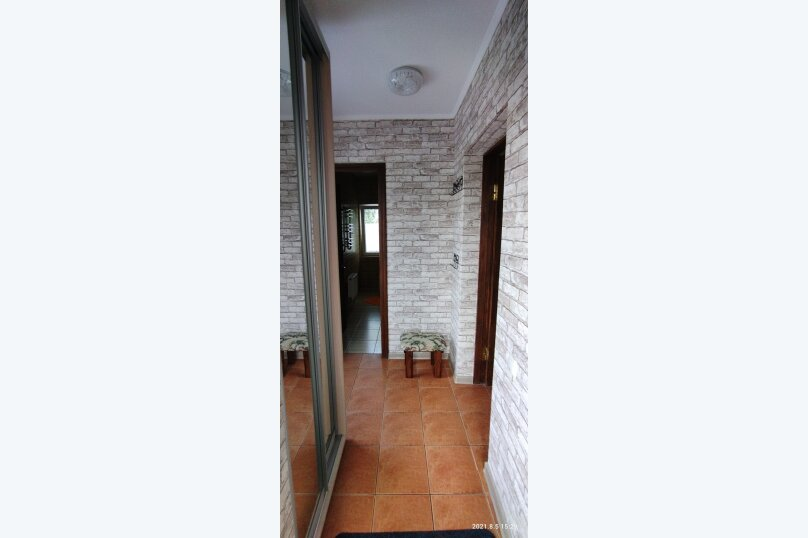 Часть дома с отдельным входом, второй этаж, 40 кв.м. на 4 человека, 1 спальня, улица Саранчева, 13, Алушта - Фотография 14