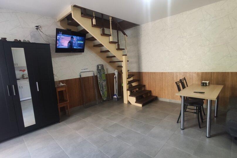 1-комн. квартира, 50 кв.м. на 4 человека, улица Козлова, 17, Керчь - Фотография 12