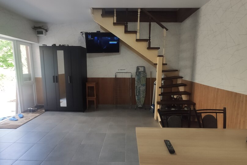 1-комн. квартира, 50 кв.м. на 4 человека, улица Козлова, 17, Керчь - Фотография 13