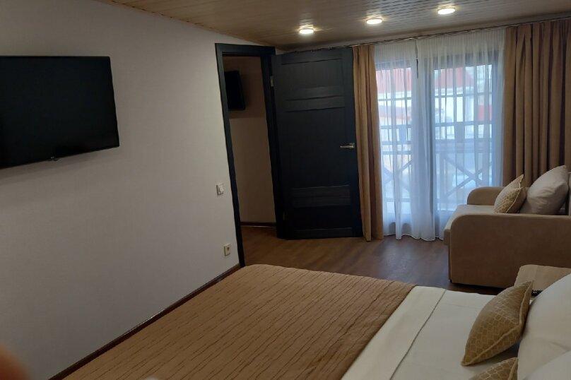 Отдельная комната, улица Караева, 16, Евпатория - Фотография 1