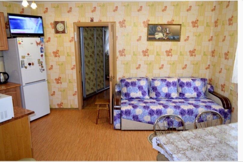 Этаж коттеджа, 38 кв.м. на 4 человека, 1 спальня, улица Соловьёва, 30Б, Гурзуф - Фотография 1