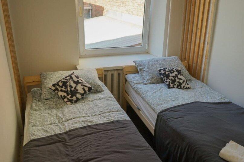 Номер с двумя отдельными кроватями и общей ванной комнатой, Потаповский переулок, 5 строение 5, Москва - Фотография 1