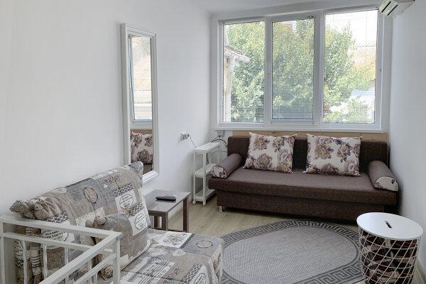 Двухуровневый коттедж, 25 кв.м. на 2 человека, 1 спальня, улица Дёмышева, 15, Евпатория - Фотография 1