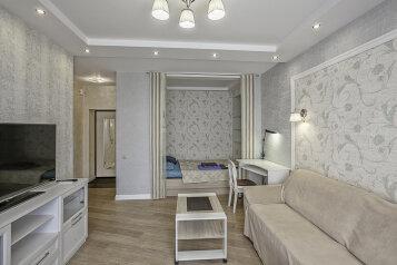 1-комн. квартира, 40 кв.м. на 4 человека, улица Грибанова, 20, Волгоград - Фотография 1