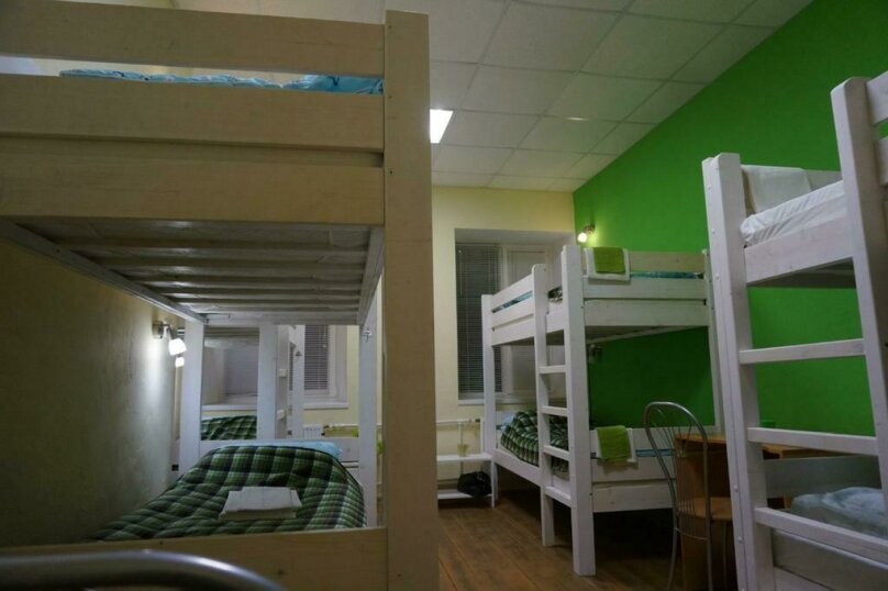 Восьмиместная женская комната, улица Черняховского, 24Г, Санкт-Петербург - Фотография 1