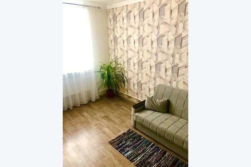 3-комн. квартира, 57 кв.м. на 6 человек, улица Гоголя, 20, Пятигорск - Фотография 1