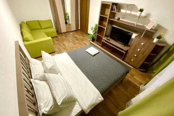 1-комн. квартира, 38 кв.м. на 4 человека, улица Маршала Казакова, 78к1, Санкт-Петербург - Фотография 1