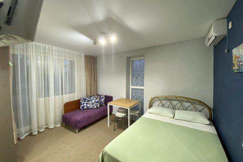 (4) «Breakfast» room с балконом (2 этаж), для троих, Таврическая улица, 26, Оленевка - Фотография 1