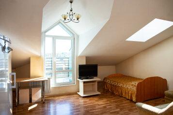 1-комн. квартира, 35 кв.м. на 3 человека, улица Дзержинского, 20, Иркутск - Фотография 1