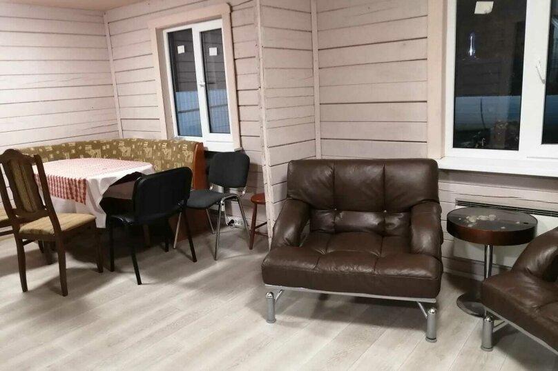 Загородный коттедж с сауной (синий коттедж №3), 70 кв.м. на 7 человек, 2 спальни, Всеволожский район, Выборгская улица, 156, Санкт-Петербург - Фотография 2