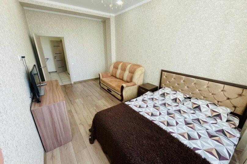 1-комн. квартира, 54 кв.м. на 4 человека, улица Свердлова, 23А, Керчь - Фотография 1