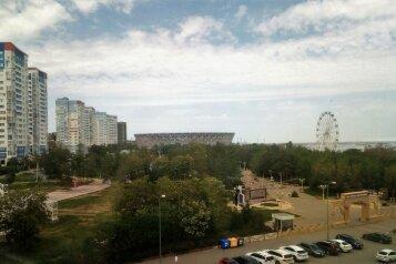 1-комн. квартира, 44 кв.м. на 8 человек, улица Глазкова, 23, Волгоград - Фотография 1
