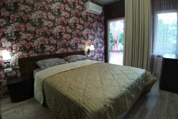 "Таунхауз ""Прованс"" с своим двором, 100 кв.м. на 10 человек, 3 спальни, переулок Калинина, 12, Феодосия - Фотография 1"